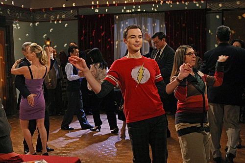 https://i0.wp.com/static.tvfanatic.com/images/gallery/sheldon-busts-a-move.jpg