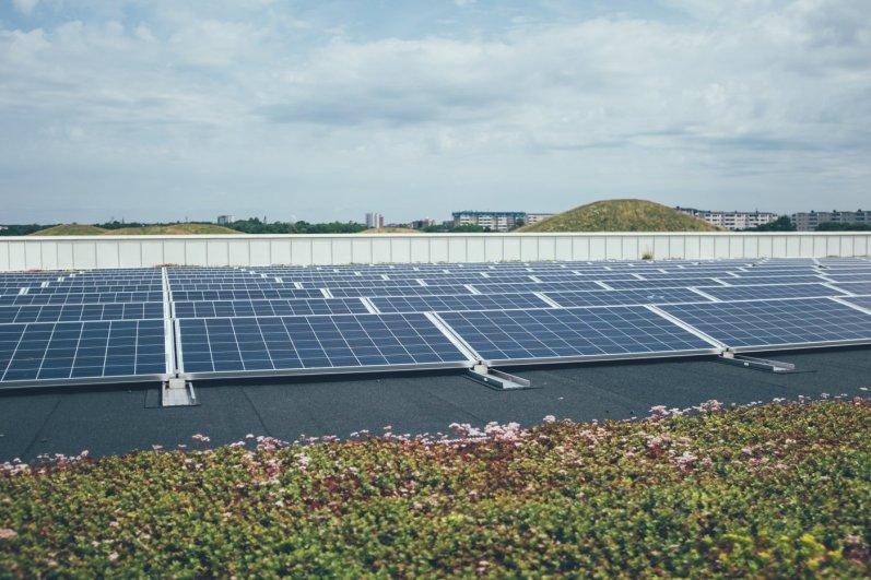Photovoltaikanlage auf Hallenbad, Hyllie