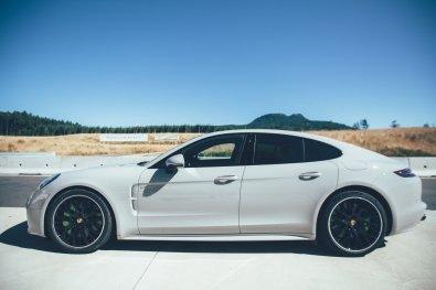 Porsche Panamera Sport Turismo Flanke
