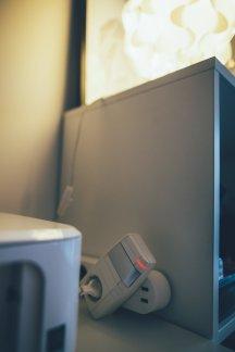 Bewegungsmelder und smarte Steckdosen gegen vergessene Lichter