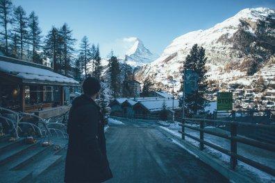 Thies am Fuße des Matterhorn