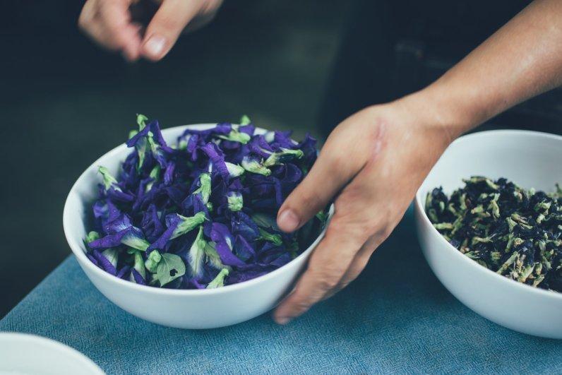 MEENA Rice based Cuisine blaue Klitorie