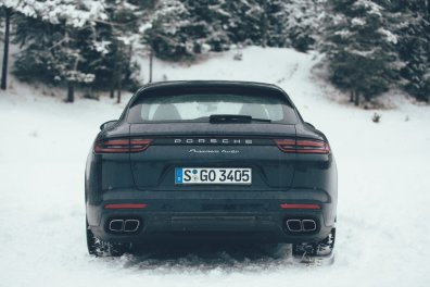 Wintersport Bucketlist Porsche Panamera Sport Turismo Winter Roadtrip