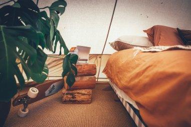 Im Glamping Zelt der Surflogiet Gotland