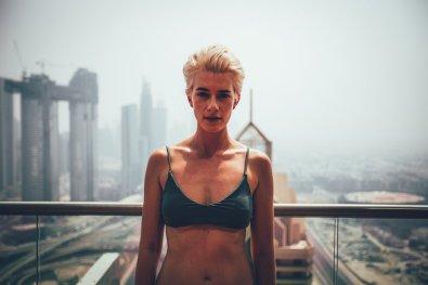 Mia auf der Dachterrasse des Shangri-La Dubai