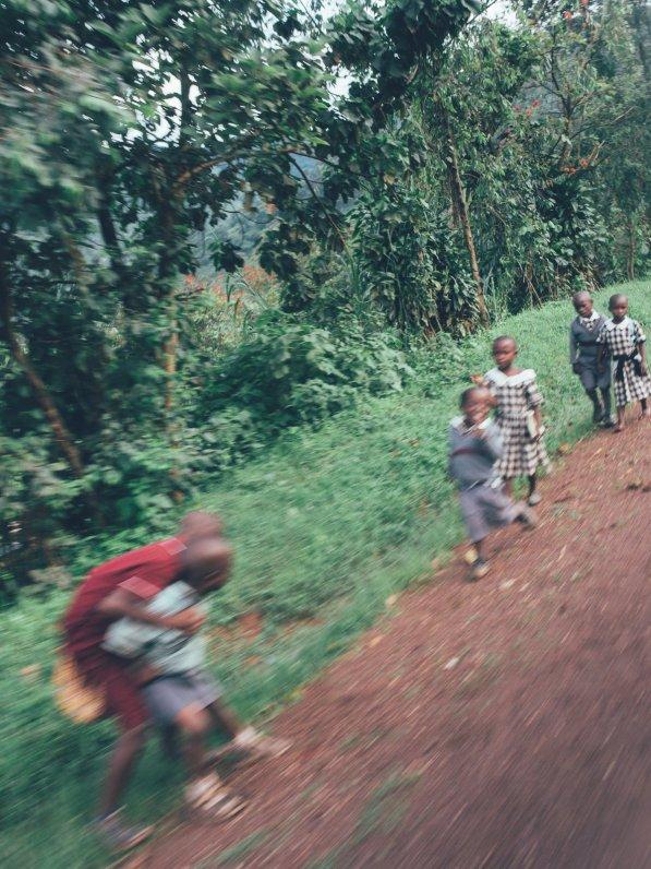 Unterwegs auf den Straßen Ugandas
