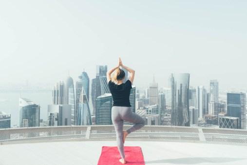 Rooftop Yoga auf dem Shangri-La, Doha
