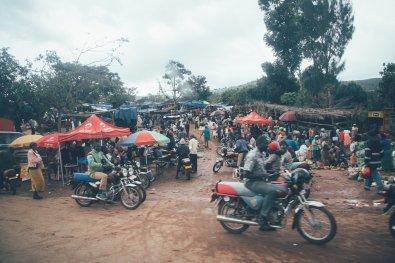 Markt auf dem Weg nach Kibale