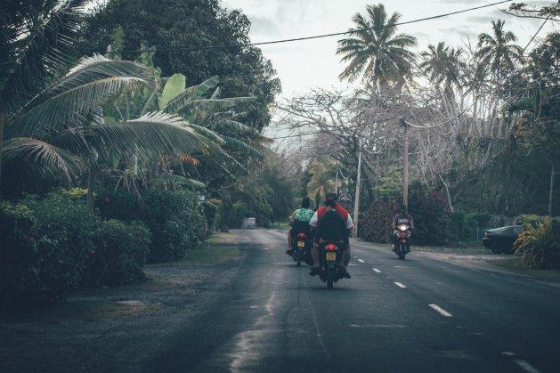 Auf den Straßen Raros