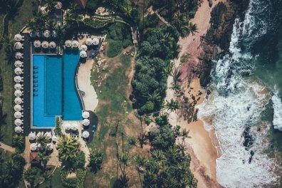 Dronenaufnahme vom Anantara Peace Haven Tangalle Resort