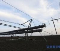 Более 500 населенных пунктов в Украине - без света из-за непогоды
