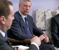 СБУ даст правовую оценку визиту Бойко и Медведчука в Россию