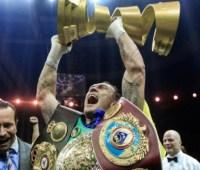 WBA официально лишила украинского боксера Усика титула в тяжелом весе