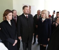 Марина Порошенко осмотрела новую сельскую амбулаторию на Луганщине