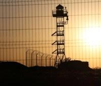 Рокадные дороги и протитранспортные рвы: пограничники обустраивают границу с РФ