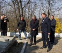 К юбилею Стефаника отремонтируют дороги в его родном селе на Прикарпатье