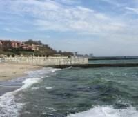Вода вдоль пляжей Одессы пригодна для купания - Минздрав