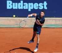 Теннис: Стаховский не смог пробиться в основную сетку турнира ATP в Будапеште