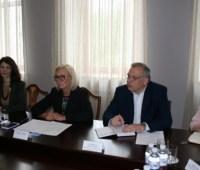 Денисова обсудила с французским дипломатом освобождение украинских заложников