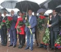 """В Днипре участников вилкуловского марша """"разогнал"""" дождь"""