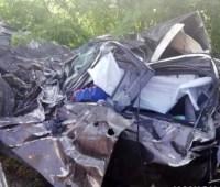 В Запорожской области Toyota влетела в грузовик, двое погибших