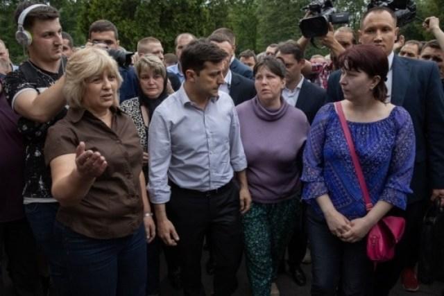 """После спора с Зеленским телеканал """"Прямой"""" приобрел квартиру семье погибшего шахтера"""