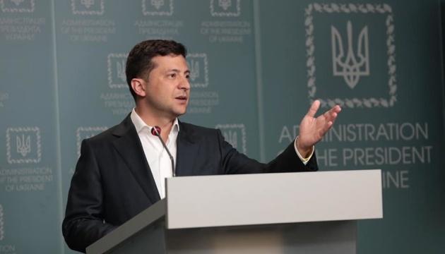 """Zełenski wzywa do negocjacji """"normańskich"""" z powodu śmierci żołnierzy pod Pawłopilem"""