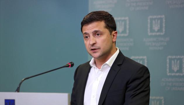 Zełenski - pozwolenie na sprzedaż ziemi cudzoziemcom zostanie poddane pod referendum