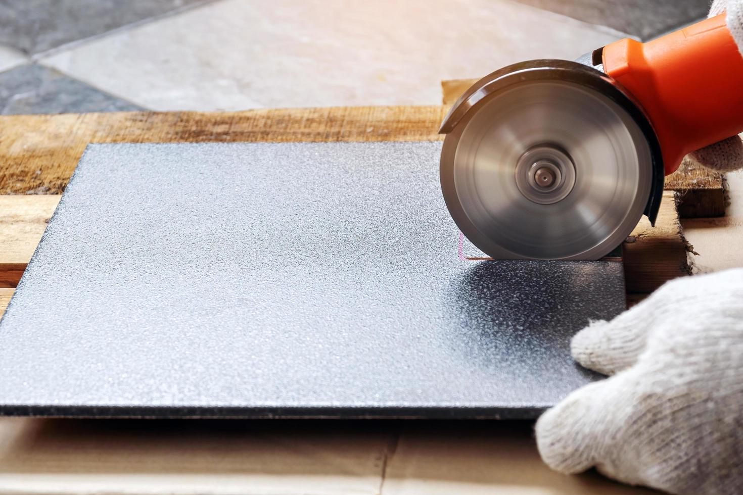 https www vecteezy com photo 1369769 cutting tiles with an electric grinder
