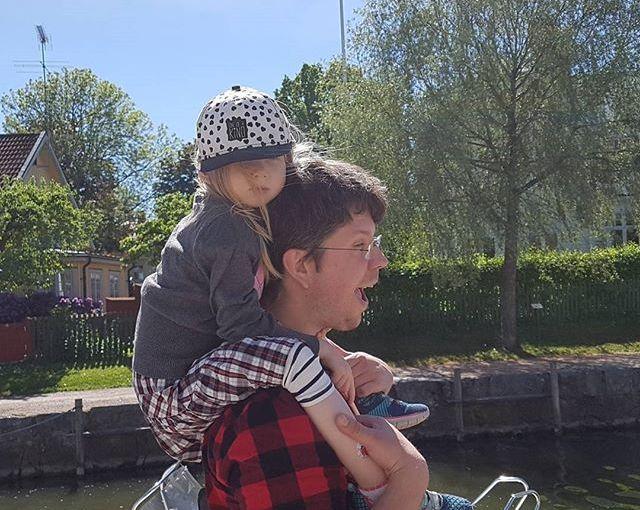 Härlig dag i Trosa. Och så fick vi hem lillkickan igen också! #nationaldagen #latergram #family