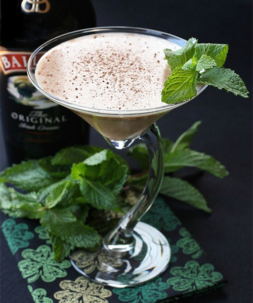 Baileys Martini for the perfect St. Patrick's Day cocktail party