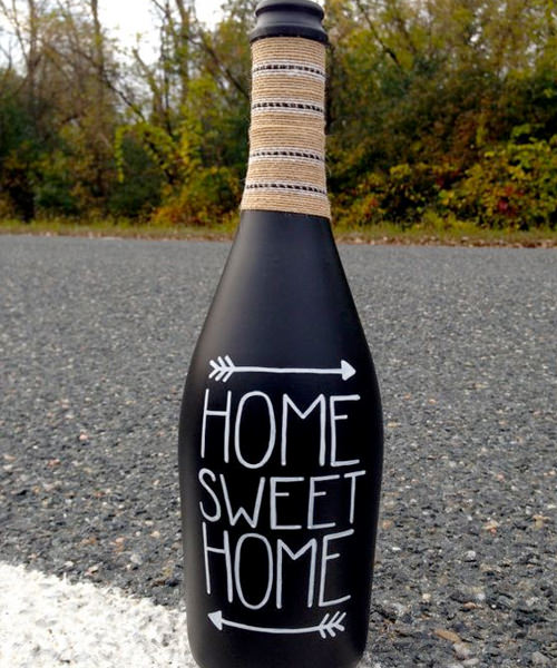 9 Adorable Garden Crafts to Make With Wine Bottles DIY bottle sign driveway