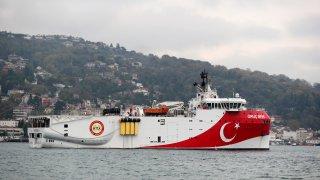 Отношенията между Атина и Анкара са изключително обтегнати и цената е висока - кой ще се възползва от природните ресурси на Източното Средиземноморие?