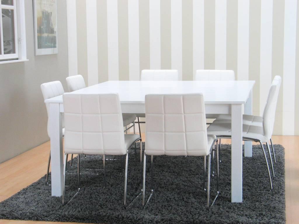 Ikea Hoogglans Eettafel NUJ14  AgnesWaMu