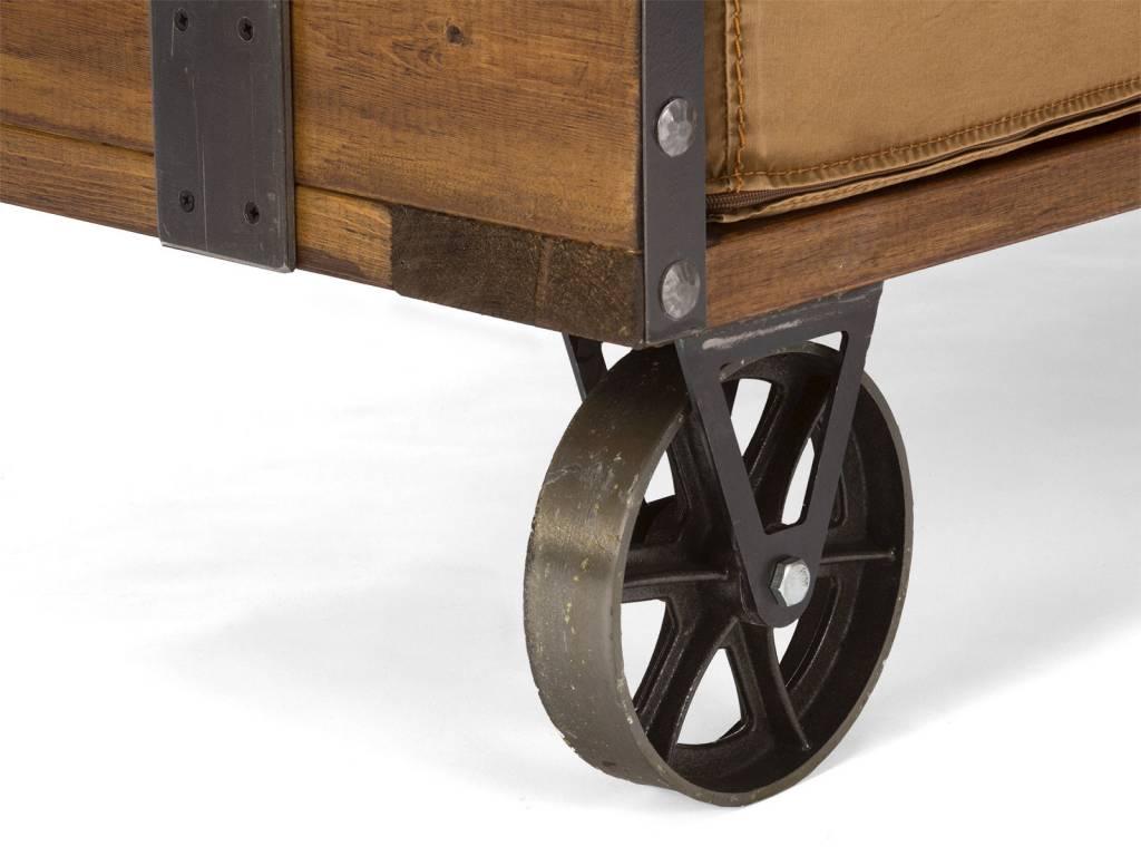 Sofa im Industrie Design auf Rdern  Massivholzmbel bei