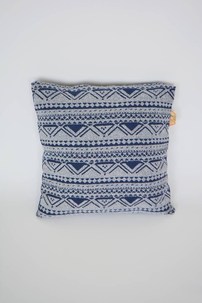 Woonaccessoires Kussenhoes blauw met aztec print  HanneHaves