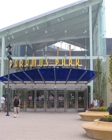 paramus park malls and retail wiki