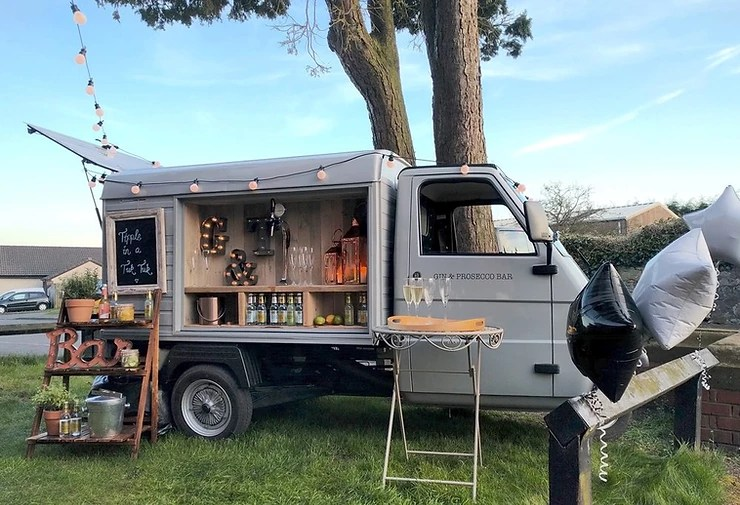 How to start a mobile bar  - Mobile alcohol truck