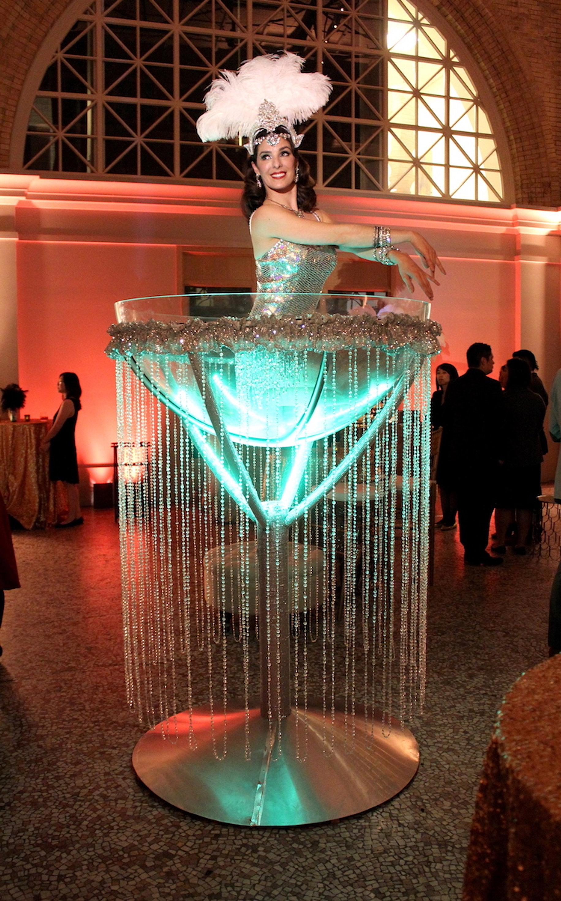 CIRCOSPHERE  Giant Martini Glass