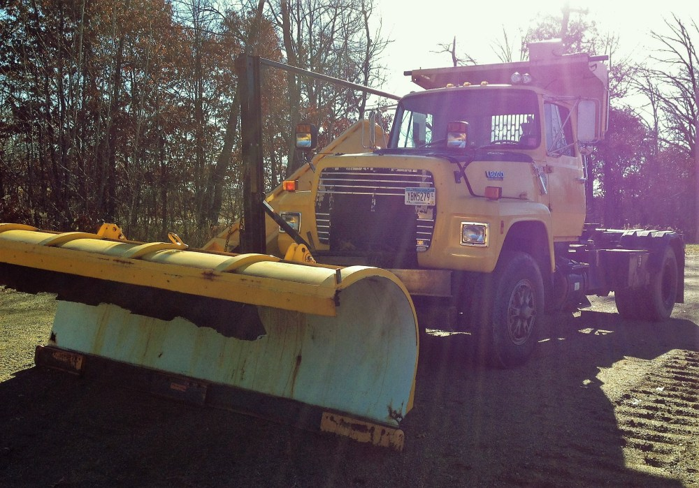medium resolution of  89 ford l8000 roll off plow