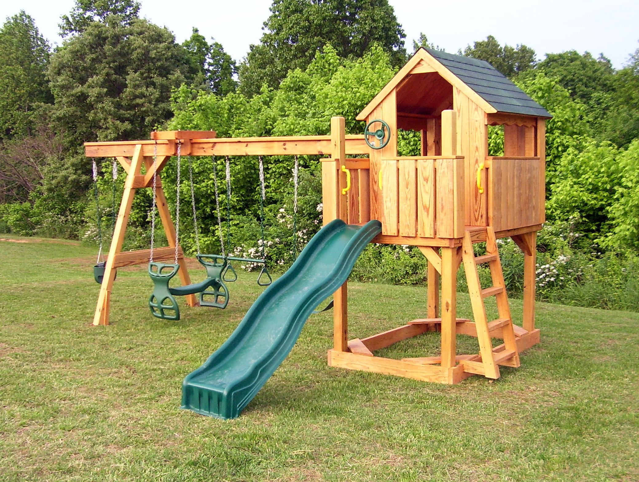 swing set assembly in