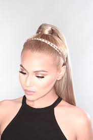 5 Ways To Spice Up Your Ponytail (4/5)