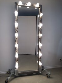 MAKE-UP TABLES/VANITY MIRROR RENTALS