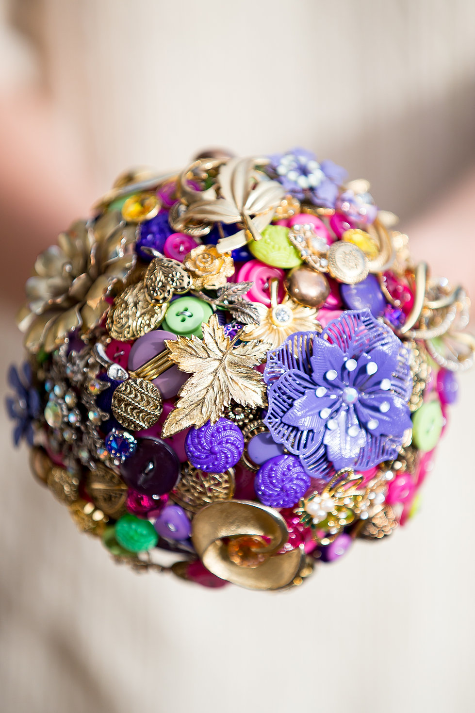 Alternative bouquets button and brooch bouquets