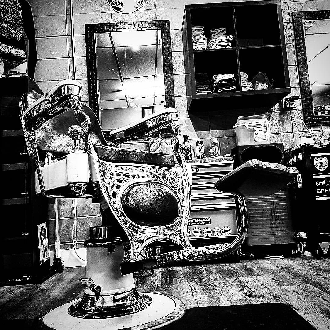 Old School Barber Chair Okotoks Barber Shop Old School Barber Chairs