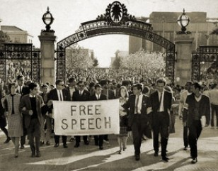 Manifestação dos Students for a Democratic Society, movimento estudantil de esquerda, na Universidade de Berkeley em 1964