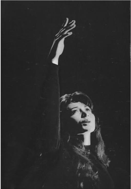 Qui A Chanté « La Petite Valse » En 1982 ? : chanté, petite, valse, Woman, Million, Unwritten, Poems, Voice