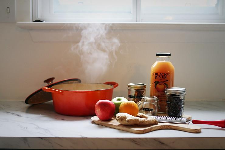 Ingredients for festive apple cider