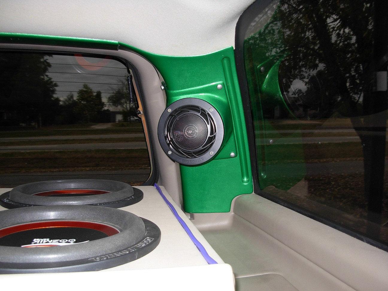 hight resolution of d pillar speaker pod for 5 25 00 06 gmfst