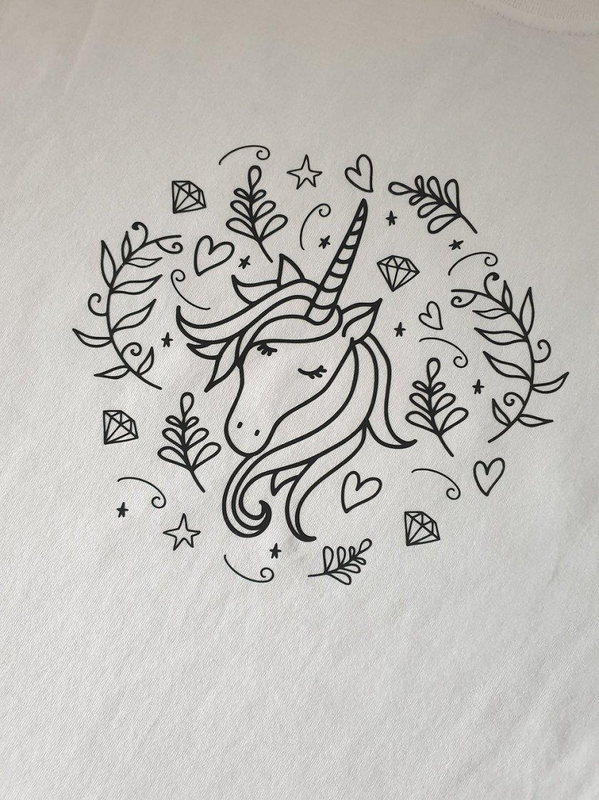 girl's unicorn colouring tshirt complete  crayola